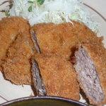 たなかや食事処 - メンチカツ・コロッケ(ミニ)・ロースカツ(ミニ)の3種類でございます。