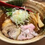 焼きあご塩らー麺 たかはし - 「焼きあご塩らー麺」800円也。税込。