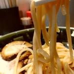 つけ麺屋 ちっちょ 神山本店 - 小麦の香り高い麺、レモンも合います。