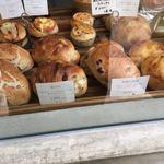ブーランジェリー レキップ ド コガネイ - 店舗のパン