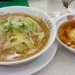 餃子の王将 - 料理写真:野菜煮込みラーメンと天津飯