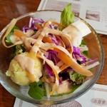 ファームヤード - セットのサラダ
