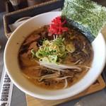 細麺屋 くわとろ - 料理写真:「黒マー油豚骨ラーメン (740円)」