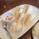 煎豆茶館 杣 - 一番たくさん食べれる「サンドイッチセット (+380円)」