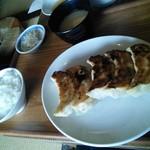 81916210 - ジャンボ餃子定食。