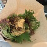 81917906 - クンバ ドゥ ファラフェル(Kuumba du Falafel)(東京都渋谷区神泉町)Falafel sand Half & Lente soup ¥1,000