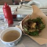 81917916 - クンバ ドゥ ファラフェル(Kuumba du Falafel)(東京都渋谷区神泉町)Falafel sand Half & Lente soup ¥1,000