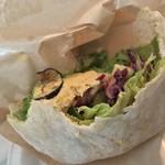 81917927 - クンバ ドゥ ファラフェル(Kuumba du Falafel)(東京都渋谷区神泉町)Falafel sand Half & Lente soup