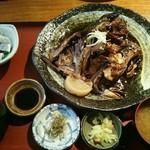 地魚料理 まるさん屋 - 煮魚御膳1500円(税前)