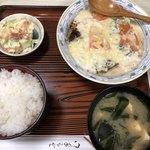 天八 - カキトリホワイトチーズ定食 飯極小 490円