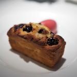 コート ドール - チェリーの焼き上げパウンドケーキ フランボワーズのアイス添え