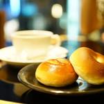カフェ木村家 - あんぱん (桜・小倉) コーヒーまたは紅茶付 (¥1,030)