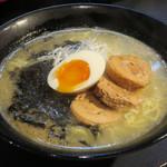 鶏がら白湯そば 鶏冠 - 鶏塩白湯そば750円