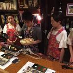 超レトロ焼肉桜坂 - お焼き係