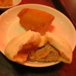 幸福粥店 - ミニ肉まん・揚げパン