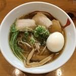81936680 - らー麺あす香 醤油ラーメン 650円+煮卵100円