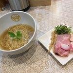 麺物語 つなぐ - 明日の塩ラーメン〜(^.ー^)w¥750円