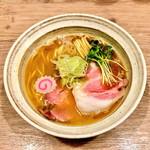 MENYA BIBIRI - 魚介鶏そば(醤油)