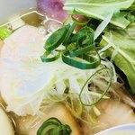 千茶屋 - 白髪ねぎや分葱、水菜が乗っています【料理】