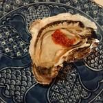 洋食勝井 - 前菜の焼き牡蠣。