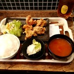 81946738 - びんびん鶏の唐揚げ定食