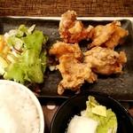 81946739 - びんびん鶏の唐揚げ定食