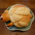 パン・アイス・惣菜 できたて館 - メロンパンのカメさん(180円)