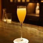 ル・ザンク - 伊予柑とシャンパンのカクテル