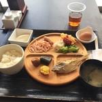 ベイサイド 和カフェ&ダイニング エンヤサンゴ - 料理写真:朝食バイキング