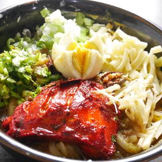 バングラデシュの家庭料理からケバブ、様々な料理が頂けます。