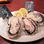 81949319 - 本日の生牡蠣から広島産と兵庫産