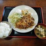 ヴィラ工房 紫波店 - 日替わり定食(鶏照り焼き)