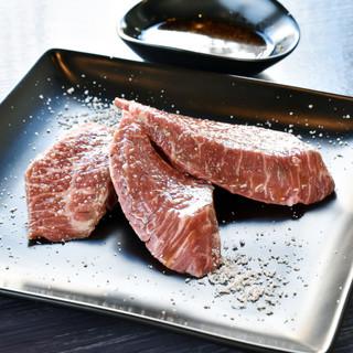 こだわりの熟成肉をご堪能ください☆★