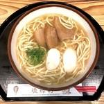 琉球村 那覇空港店 - 三枚肉そば(760円)
