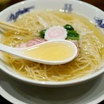 中華蕎麦にし乃 - 旨みたっぷりのスープ