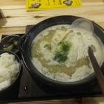 炊き餃子と鶏すき大衆酒場 仕事鶏A - 炊き餃子定食650円