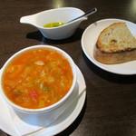 BARU 竹末 - 料理写真:スープ&パン(* ̄∇ ̄)ノ