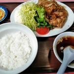 萬友亭 - 焼肉定食¥1000 ご飯半分にしました