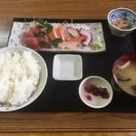魚八 - 料理写真:刺身四種盛り定食