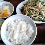 萬友亭 - 日替わりランチ もやしとニラ炒め定食¥750