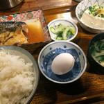 81963500 - 主菜をさば味噌で定食に(生卵付き)
