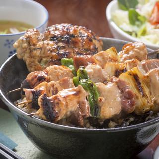 街道の燈 旬酒場やまもと - 料理写真:焼き鳥丼