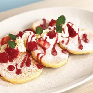 【季節限定】春のいちごパンケーキ