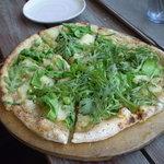 米市農園 - 春菊のピザ