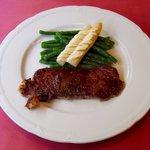 ビストロ トゥ ソル - 北海道産の牛ステーキ