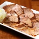 麺屋 むつ葉 - 炙りねぎ焼豚
