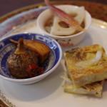 古月 - 白魚の中国風玉子焼き、芽クワイの沙茶醤和え、クラゲ