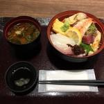 魚河岸のすし えびす - 料理写真:海鮮丼(セット)