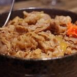 焼肉 ジャンボ - 牛丼