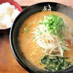 麺道場 - 料理写真:味噌+ライス
